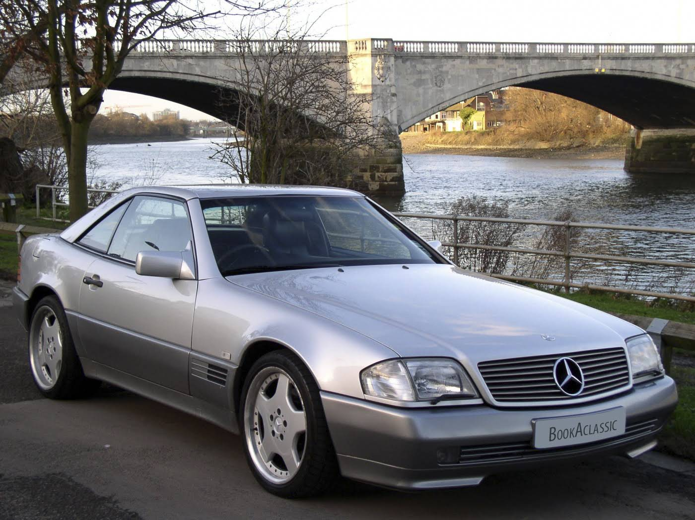 Mercedes benz 300sl 24v r129 for hire in london bookaclassic for Mercedes benz london