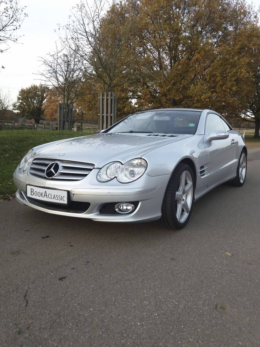 Mercedes benz 500 sl for hire in surrey bookaclassic for Mercedes benz for rent