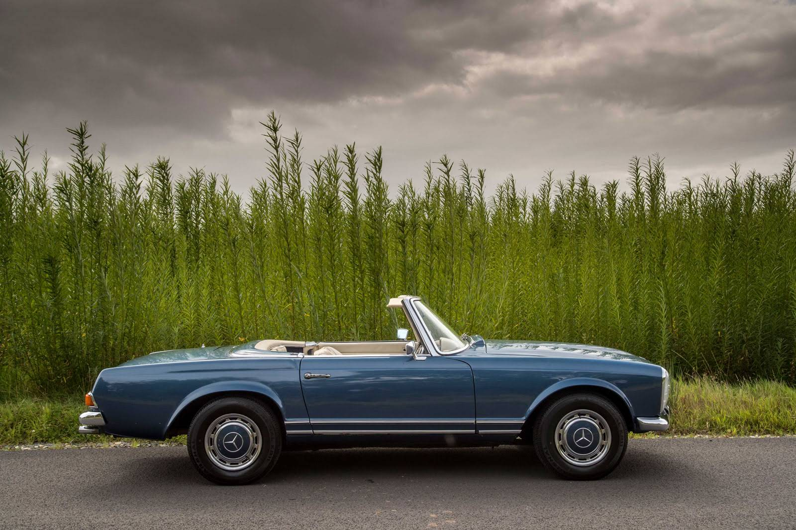 Mercedes benz 280 sl pogada for hire in stratford upon for Mercedes benz hours