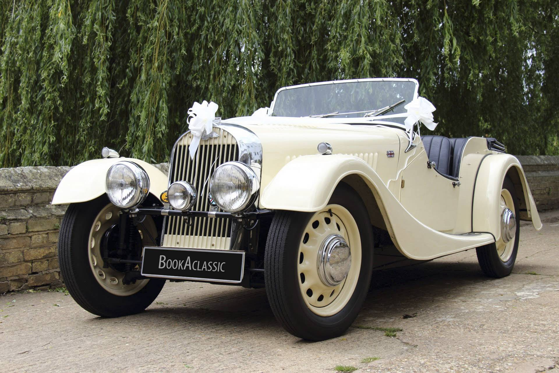 Vintage Wedding Cars - BookAclassic