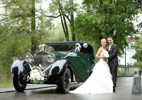 Dream Wedding Cars, rent a classic car for your wedding drive