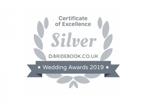 Classic Car Hire with a Badge of confidence: winner of 2019 wedding awards